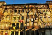 the tradicional house facades of porto downtown