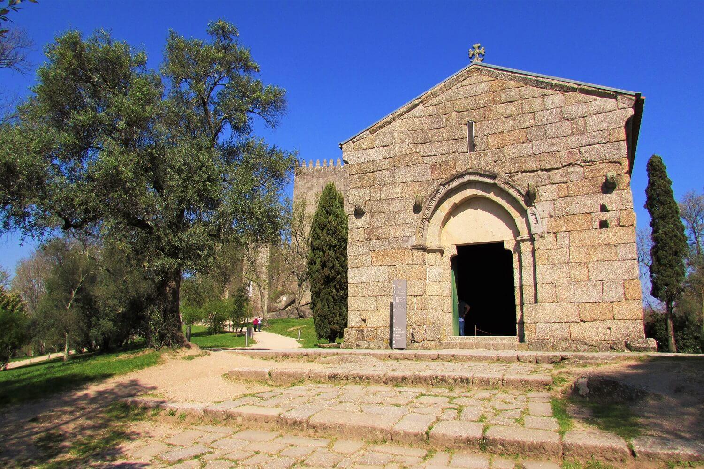 igreja de s. miguel, onde d. afonso henriques foi baptizado