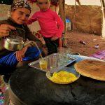 chá servido por uma família nómada nas montanhas do atlas