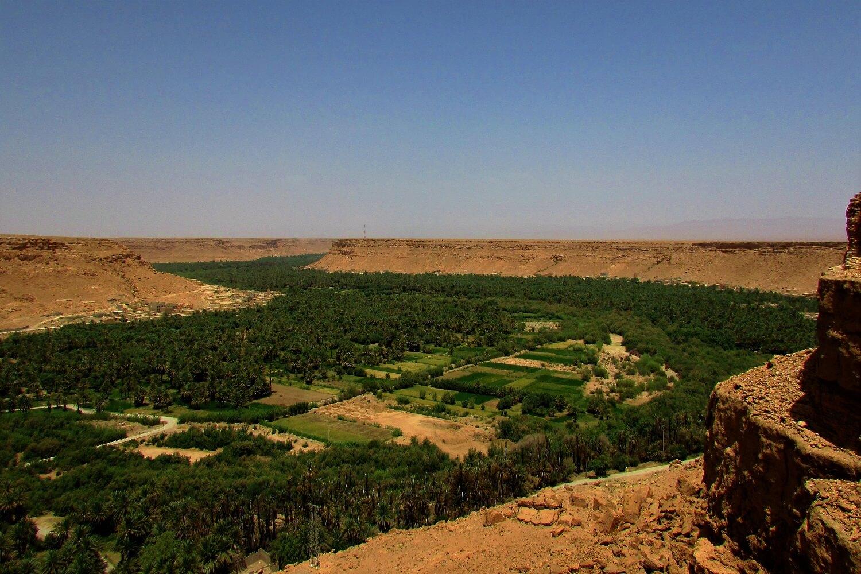 o vale de ziz a caminho do deserto
